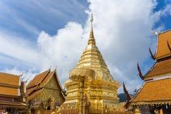 Wat Phra Że Doi Suthep jest Theravada buddyjskim świątynią przy beaut obraz stock