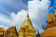 Wat Phra Że Doi Suthep jest Theravada buddyjskim świątynią przy beaut zdjęcie royalty free