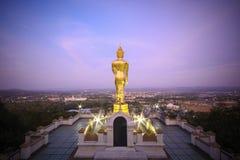 Wat Phra которое Khao Noi, золотое положение статуи Будды Стоковое Изображение
