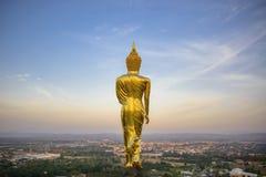 Wat Phra которое Khao Noi, точка зрения, золотое положение статуи Будды Стоковое фото RF