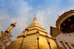 Wat Phra That Cho Hae, Phrae Tailândia fotos de stock