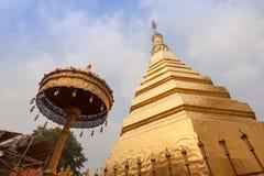 Wat Phra That Cho Hae, Phrae Tailandia Foto de archivo libre de regalías