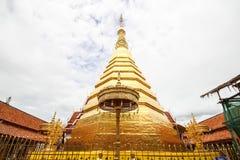 Wat Phra That Cho Hae, Phrae, Thailand stock foto's