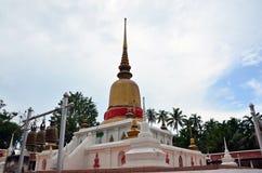 Wat phra den sawitempel på Chumphon i Thailand Fotografering för Bildbyråer