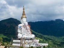 Wat Phra Dhat Phasornkaew στο βερκέλιο Phu tup Στοκ Φωτογραφίες