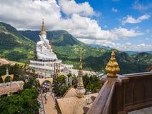 Wat Phra Dhat Phasornkaew in Phu tup berk Royalty-vrije Stock Foto