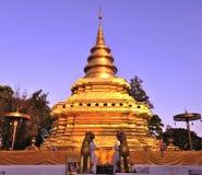 Wat Phra die de Leren riem Worawihan van Si Chom Stock Foto's