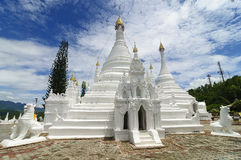 Wat Phra That Doi Kong Mu, Mae Hong Son, nordliga Thailand Royaltyfria Foton