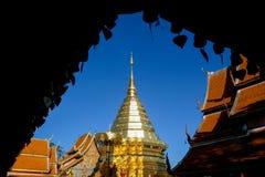 Wat Phra That Doi Suthep är den turist- dragningen av Chiang Mai, Thailand askfat arkivbild
