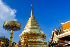 Wat Phra That Doi Suthep är den turist- dragningen av Chiang Mai, Thailand askfat royaltyfria foton