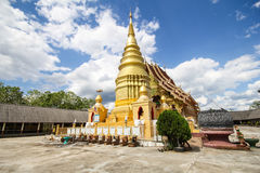 Wat Phra That Duang Deaw Lamphun Thailand Royaltyfri Foto