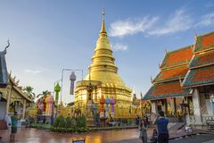 Wat Phra That Hariphunchai Lamphun, Thailand royaltyfria foton