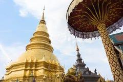 Wat Phra That Hariphunchai-Tempel lizenzfreies stockfoto