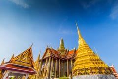 Wat Phra Kaeo, świątynia Szmaragdowy Buddha i Tajlandzki królewiątko dom Fotografia Stock