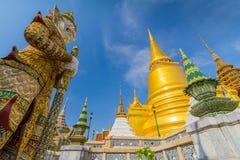 Wat Phra Kaeo tempel av Emerald Buddha Arkivbild