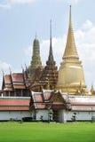 Wat Phra Kaew寺庙,全部宫殿 免版税库存图片