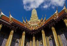 Wat Phra Kaew одно из самого популярного назначения туристов внутри Стоковое Изображение RF