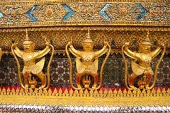 Wat Phra Kaew, conhecido geralmente em inglês como o templo de Emerald Buddha ou do palácio grande é considerado como o Buddhi o  fotos de stock