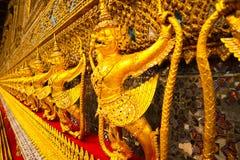 Wat Phra Kaew, conhecido geralmente em ingl?s como o templo de Emerald Buddha ou do pal?cio grande ? considerado como o Buddhi o  foto de stock royalty free