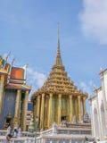 Wat Phra Kaew (den storslagna slotten) av Thailand Royaltyfri Bild