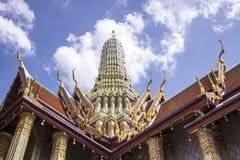 Wat Phra Kaew eller templet av Emerald Buddha det fulla officiella namnet Wat Phra Sri Rattana Satsadaram, betraktas som mest Fotografering för Bildbyråer