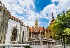 Wat Phra Kaew i dagsljus Arkivfoto