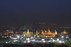 Wat Phra Kaew i uroczysty pałac, gruntowa ocena Bangkok, Tajlandia Obrazy Royalty Free