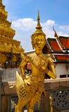 Wat Phra Kaew lub ?wi?tynia Szmaragdowy Buddha, opiekun statuy i Uroczysty pa?ac lokalizowa? w?r?d ziemi Uroczysty pa?ac w zakazi fotografia stock