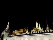 Wat Phra Kaew na noite fotografia de stock