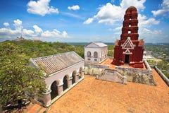 Wat Phra Kaew nel parco di Khao Wang Phra Nakhon Khiri Historical Fotografie Stock Libere da Diritti