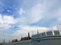 Wat Phra Kaew op aardige hemel, oriëntatiepunt in Thailand stock fotografie
