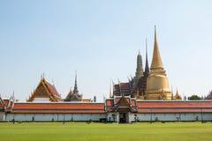 Wat Phra Kaew, point de repère célèbre de Bangkok de la Thaïlande photos stock