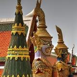 WAT PHRA KAEW - STOR SLOTT BANGKOK THAILAND Arkivbild