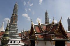 Wat Phra Kaew_Stupas Imagem de Stock Royalty Free