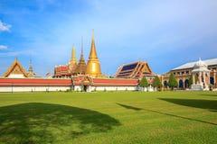Wat Phra Kaew tempel av Emerald Buddha att lokalisera i Bangkok, Thailand arkivbild