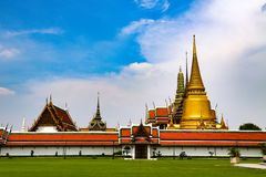 Wat Phra Kaew or Temple of Emerald Buddha, Guardian statues and Grand palace located within the grounds of the Grand Palace in Ban stock photos