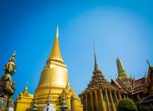 Wat Phra kaewtempel i Bangkok av Thailand Royaltyfria Foton