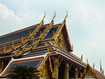 Wat Phra KaewTemple of the Emerald Buddha2. Gold idols statue art religion respect belief church roof Temple of the Emerald Buddha Wat Phra Kaew Royalty Free Stock Images