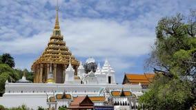 Wat Phra Phutthabat, tempio buddista in Tailandia video d archivio