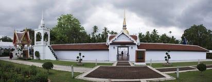 Wat phra sawi寺庙在Chumphon,泰国,当下雨风暴时 库存照片