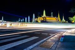 Wat Phra Si Rattana Satsadaram ELLER tempel för WAT PHRA KAEW av Emerald Buddha i Bangkok, det bästa av turism i Thailand på natt fotografering för bildbyråer