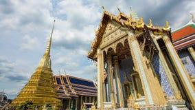 Wat Phra Si Rattana Satsadaram or wat phra kaew beautiful architecture, historic attractions, world-class in Bangkok stock footage