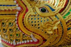 Wat Phra Singh - Dragon Naga staty Arkivfoton