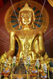 Wat phra singh i Chiang Mai, Thailand Royaltyfri Fotografi