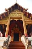 Wat Phra Singh Woramahaviharn lokaliserade i Chiang Mai Thailand Arkivfoton