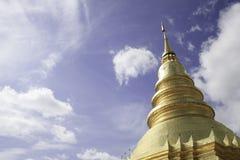 Wat phra som hariphunchai Royaltyfria Bilder