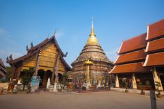 Wat phra som lampangluang, Thailand Arkivbild