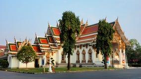 Wat Phra Sri Mahathat badade i morgonljus Arkivfoto