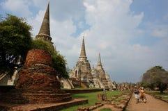 Wat Phrasisanpetch i den historiska Ayutthayaen parkerar, Ayutthaya, Royaltyfria Foton