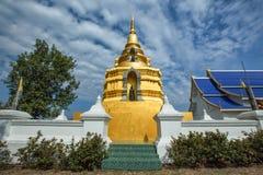 Wat Phrathat, район Chiang Kham, Phayao Стоковая Фотография RF
